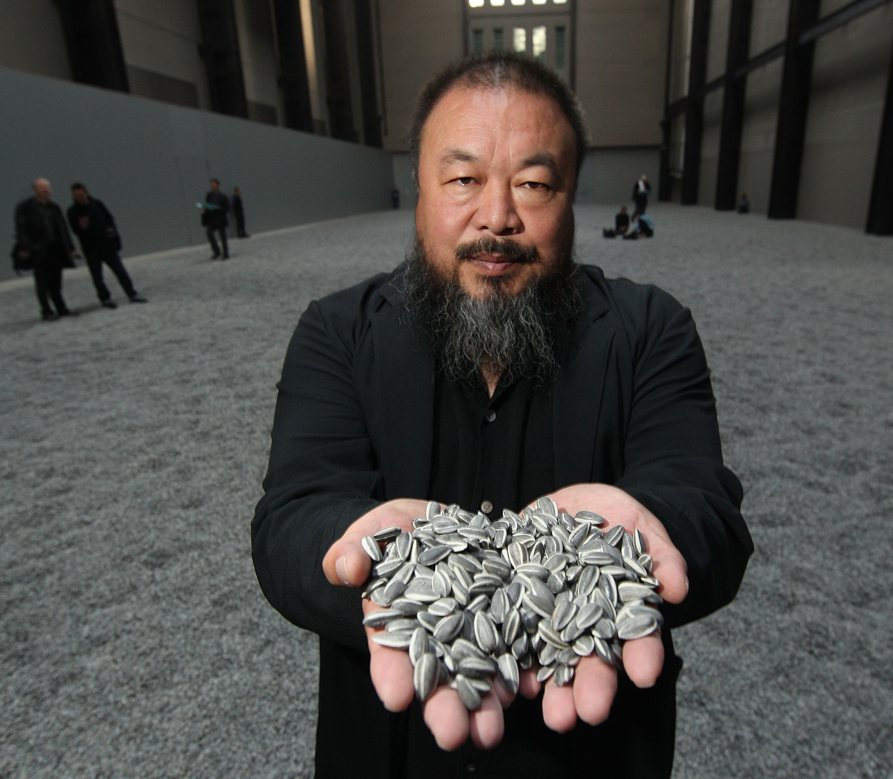 weiwei blog_Chinese Artist Ai Weiwei Unveils This Year's Unilever Installation At The Tate ...